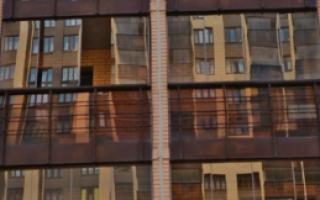Легкое остекление балконов и лоджий — безрамное, распашное, алюминиевое