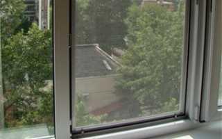 Как установить москитную сетку на пластиковые окна: установка своими руками, на балконную дверь, видео