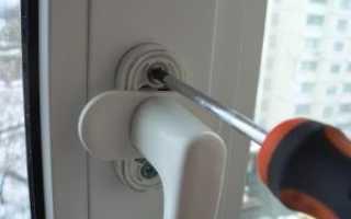 Не закрывается пластиковая дверь на балкон: что делать и как отрегулировать
