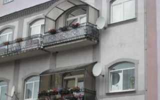 Козырек над балконом из поликарбоната: порядок монтажа