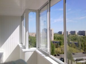 Алюминиевый профиль для остекления балкона