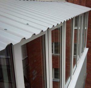 Крыша на балконе