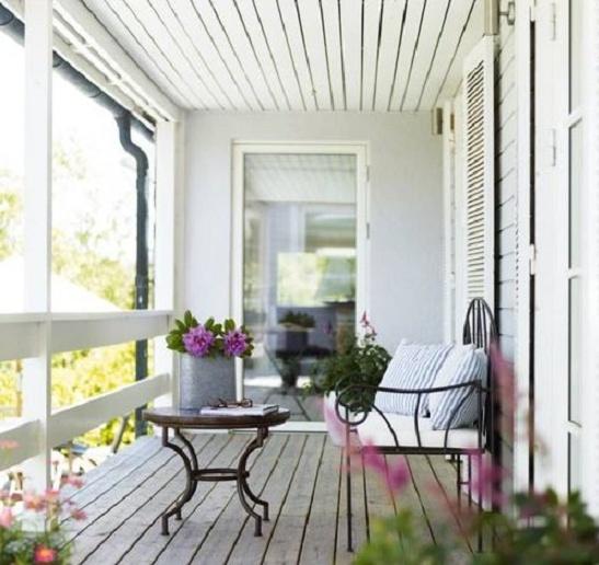 открытый балкон в стиле прованс