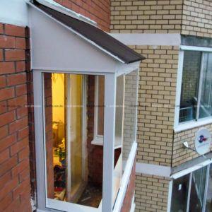 балкон под крышей