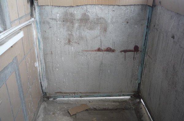 чем заделать щели на балконе