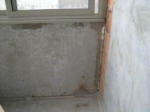 как заделать щели на балконе
