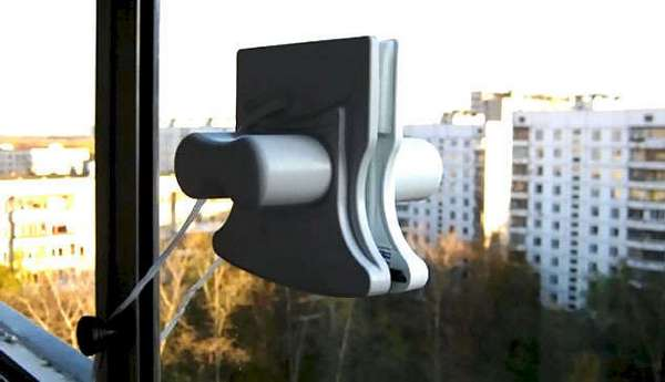 магнитная щетка для мойки окон