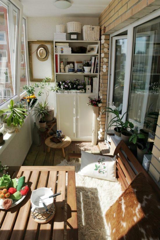 внутренняя отделка маленького балкона