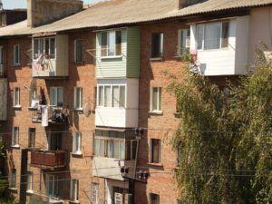 дом с балкона