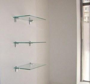 стеклянные полки на балконе