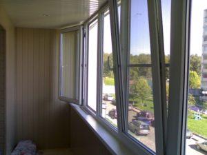 ПВХ окна на балконе