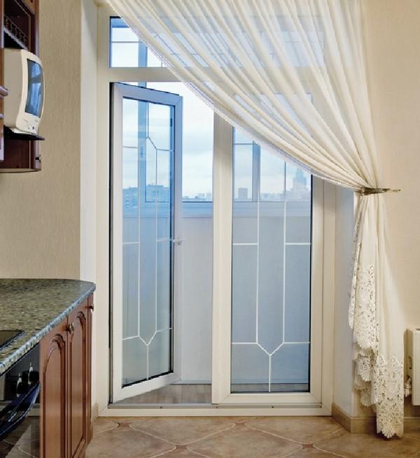 раскладки на балконной двери