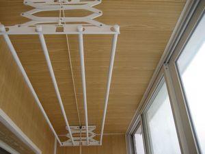 Сушка для белья на балконе