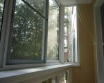 Раздвижная сетка от комаров на балконе
