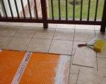 Кладка плитки на балконе