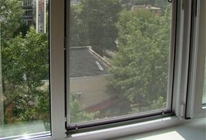 как установить москитную сетку на пластиковые окна