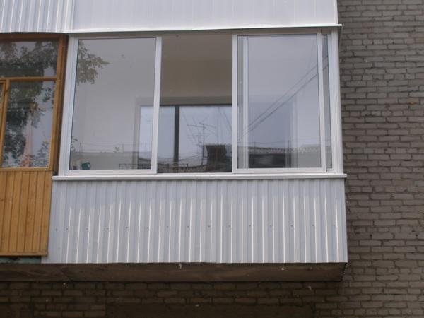 чем можно обшить балкон снаружи